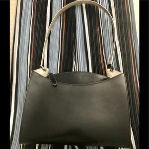 BALLY Black Leather Shoulder Bag.